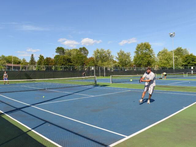 Début de la saison de tennis et de pickleball !